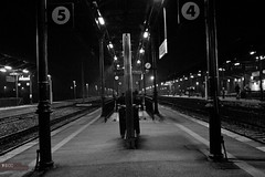 Return. (Nikolay Borissov) Tags: station night train canon eos 5 4 7d stazione notte trenitalia treni ritorno tardi aversa nbfoto nikolayborissovfotografo