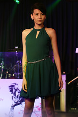 Model (Rickloh) Tags: woman lady pose asian model pretty rick samsung thai sg catwalk nx mirrorless nx30 rickloh nxsg