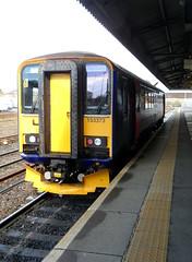 Westbury (DarloRich2009) Tags: first wiltshire firstgreatwestern westbury dmu class153 dieselmultipleunit firstgroup fgw 153373 diselmultipleunit westburystation westburyrailwaystation