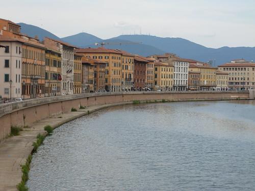 Le fleuve Arno à Pise