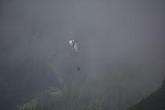 Ab in den Nebel 2 (bounty390) Tags: sport nebel natur gleitschirm gleitschirmfliegen paragleiten nebelstimmung