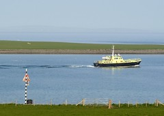 The Hoxa Lass Leaving Houton (orquil) Tags: uk bay scotland orkney may talisman houton workboat leadinglight scapaflow orcades hoxalass