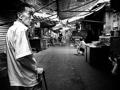Snapshot_0236 (Huang Qing) Tags: life street blackandwhite bw monochrome 28mm streetphotography ricoh grd grd4