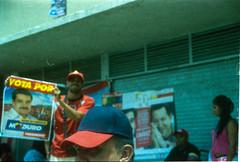 Vota por (Viviana Trujillo) Tags: canon kodak venezuela hrc caracas poltica elecciones chvez kodakproimage canoneosg majunche enriquecaprilesradonski
