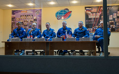 Expedition 37 Press Conference (NASA Johnson) Tags: kazakhstan baikonur michaelhopkins olegkotov baikonurcosmodrome roscosmosrussianfederalspaceagency alexanderskvortsov expedition37 expedition37preflight sergeyryazanskiy
