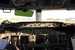 Morning sun in a B737NG-Cockpit (Kingsley's Ministry) Tags: