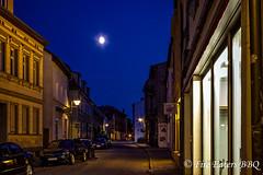 Karlstrae bei Nacht (Fire Eaters BBQ) Tags: hdr nachtaufnahme stendal blauestunde karlstrase
