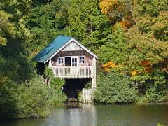 Boat House (Gilder Kate) Tags: autumn arboretum surrey boathouse nationaltrust hascombe godalming winkworth winkwortharboretum autumncolour