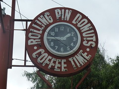 ROLLING PIN DONUTS SAN BRUNO CA (ussiwojima) Tags: sign advertising cafe neon sanbruno donutshop neonclock rollingpindonuts