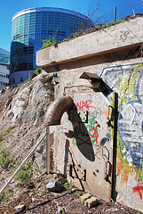 (Sameli) Tags: door old building suomi finland helsinki bunker