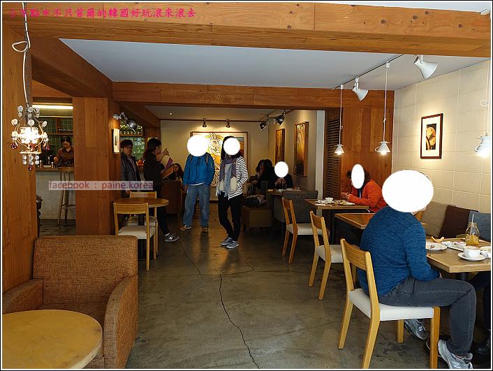 弘大 the famous lamb 早午餐buffet (2).JPG