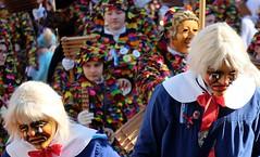 FREIBURG - RIBBLINGHIELER & FASNETRUFER (Punxsutawneyphil) Tags: europa europe deutschland germany alemania badenwürttemberg badenwuerttemberg freiburg baden fribourgenbrisgau freiburgimbreisgau friburg breisgau süddeutschland southerngermany karneval fasching carnival fastnacht fasnet narren jester jesters häs kostüm tradition catholic katholisch rosenmontag larve maske mask german deutsch alemannisch alemannic people guys leute menschen celebration umzug parade rosenmontagszug karnevalsumzug feiern party fete narrinarro narri narro zunft zünfte fasnetzunft fasnetzünfte fastnachtszunft fastnachtszünfte colorful bunt colors positive traditional ribblinghieler fasnetrufer narrenzunft