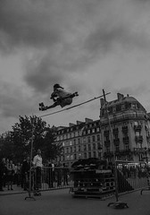 split in the sky (Benoit photography) Tags: pictures street city urban paris beautiful night photoshop big european photographer photographie photos tag images photograph fotos streetphoto rollerblade bild lightroom photograpy juming 2013 jumpeurope