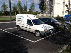 Ford Courrier Peintex de 2004 5236 WZ 37 - 23 mai 2013 (Rue Mansart - Joue-les-Tours) (Padicha) Tags: auto new old bridge france water grass car station electric truck river french coach ancient automobile eau indre may police voiture ruine cher rest former 37 nouveau et loire quai franais nouvelle vieux herbe vieille ancienne ancien fleuve nationale vehicule lectrique reste gendarmerie gazon indreetloire franaise pave nouveaut vhicule utilitaire restes vgtalise letramdetours padicha