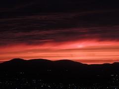"""Ray of light"" - Tribute to Kim (eburriel) Tags: light red sky orange cloud sun color night soleil day hill picture ciel qubec nuage crpuscule ville"