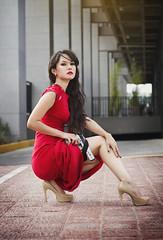 Nikkita (Sirena.fotografia) Tags: red black girl beautiful hair asian dangerous gun dress nikita chinesse