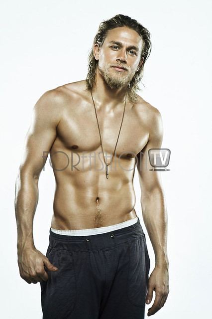 "Charlie Hunnam CONFIRMED To Play Christian Grey In ""Fifty Shades Of Grey""!!!"