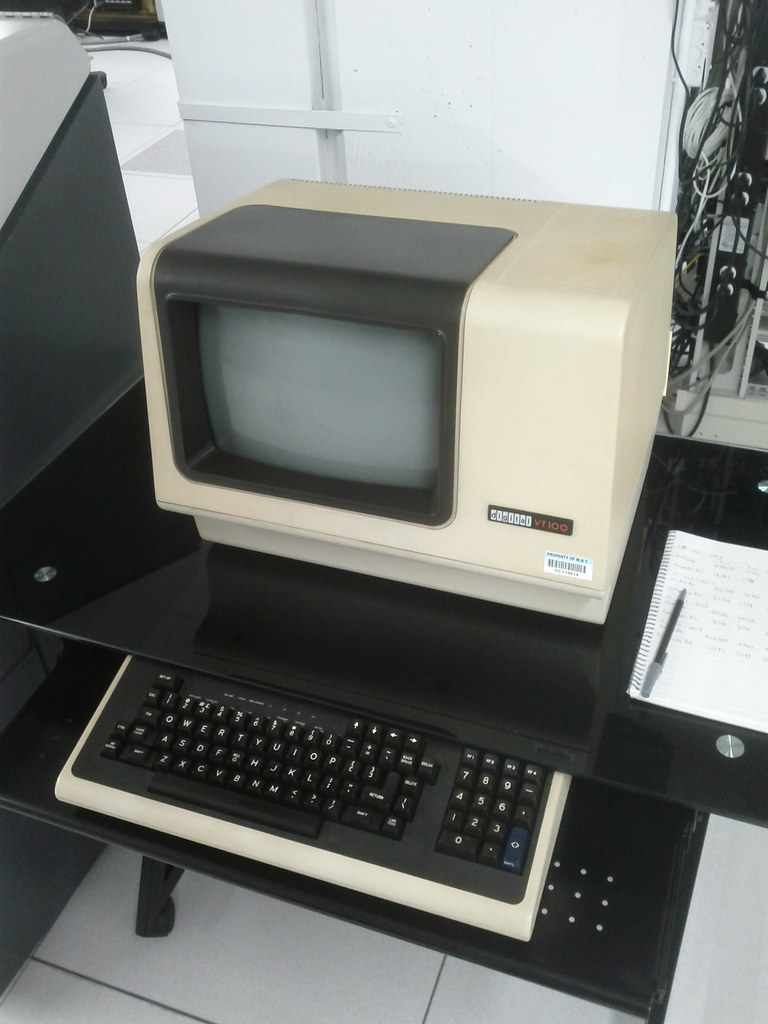 The World's Best Photos of dec and vt100 - Flickr Hive Mind