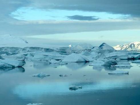 antarctica © mike meredith