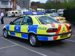 3008 - Essex Police - Vauxhall Omega - S993 XUY - DSCF7773 (Call the Cops 999) Tags: road uk england 6 holiday museum day traffic britain united omega great may police bank kingdom surrey vehicles 101 gb vehicle service monday emergency saloon 112 beacon chevron essex services weybridge battenburg vauxhall revolving unit 999 brooklands chevrons rpu lightbar constabulary policing 2013 xuy s993