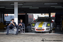 Lunch Break (Sascha Bentz) Tags: black cup pits race racecar lunch missing track break wheels mini racing porsche falcon gran hr hockenheim turismo rs vln dunlop trackday pz aschaffenburg iphone gt3 supercup mittagspause hockenheimring boxengasse boxen ipad rennwagen pitroad textar plameco