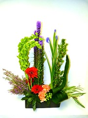 "#14V $100 Stylized Bouquet • <a style=""font-size:0.8em;"" href=""http://www.flickr.com/photos/39372067@N08/12102052485/"" target=""_blank"">View on Flickr</a>"