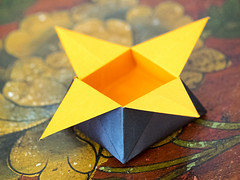 origami_Chieri2014_P4091412 copia (stegdino) Tags: paper triangle origami box folded fold scatola carta odc triangolo msh0614 piegato herowinner ourdailychallenge pregamesweepwinner 365the2014edition3652014day9909042014 f64g59r2win msh061418 pinnacle20150317
