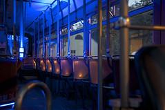 Blick in den vorderen Teil des Tatzelwurmes (Frederik Buchleitner) Tags: museum munich münchen tram mg 102 streetcar p1 präsentation ramersdorf mvg trambahn pwagen fmtm strasenbahn mvgmuseum gelenkwagen freundedesmünchnertrambahnmuseums mgelenkwagen mgwagen p1wagen