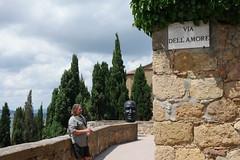 . (Tomma's Pictures) Tags: italy italia samsung via tuscany pienza toscana イタリア dellamore nx1 トスカーナ州 ピエンツァ