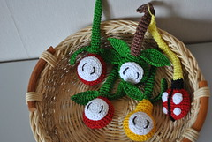 https://www.etsy.com/listing/230805041/quiet-book-mini-busy-book-babybook-page?ref=shop_home_active_3 (tanyatoys) Tags: redapplegreen yellowpear ladybug crocheted insidesqueaker acomponentofthequietminibooks handmade