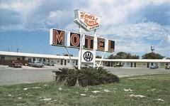 Harold's Motel - Martin, South Dakota (The Cardboard America Archives) Tags: vintage motel postcard southdakota
