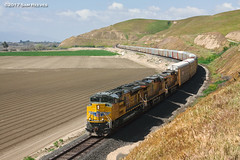 Autos out of the Tunnel (samreevesphoto) Tags: up unionpacific freight kingcity california