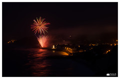 Feu d'artifice D. Day 2013 (b-two) Tags: france beach pose rouge photography 50mm gold nikon war noir photographie thomas m omaha normandie hommage holliday guerre normandy f11 plage dday nocturne feu dartifice juno debarquement longue mondiale 2eme