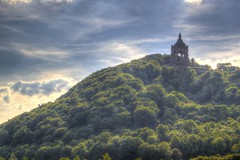 Kaiser Wilhelm Monument (blavandmaster) Tags: trees sky colour building tree green nature grass june architecture clouds germany season landscape deutschland licht countryside flickr colours seasons cloudy hill natur himmel wolken historic ciel owl processing porta land handheld nuages landschaft wald bume allemagne hdr westfalen ostwestfalen photomatix westfalica 2013