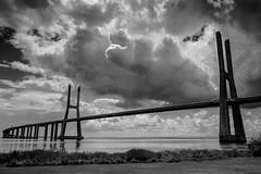 Ponte Vasco da Gama (Quin@) Tags: bridge blackandwhite white black portugal branco nikon lisboa preto ponte da 1855mm vasco gama d40