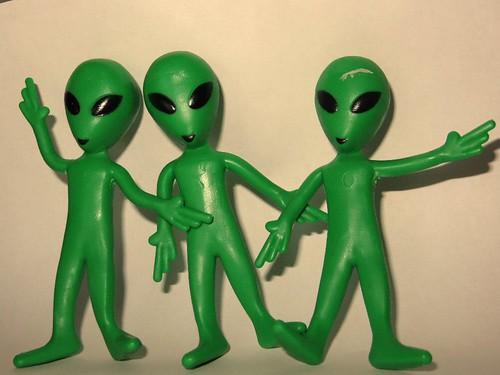 ET2485 3 aliens