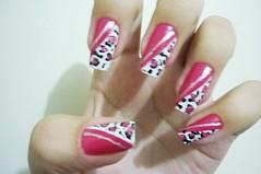 Unha de oncinha rosa (Karoline Bione) Tags: white branco nail nails unhas nailart unha oncinha unhasdecoradas oncinharosa unhadecorada