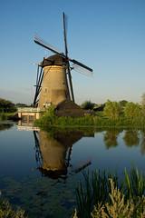 Windmill Unesco Heritage Kinderdijk NL (Edwin van Tilburg - Oss - Netherlands) Tags: sky mill windmill unesco kinderdijk molen zuid milling windmolen unescoheritage werelderfgoed werelderfgoedunesco hollandsouth hollandweerspiegelingwaterwatersidereflex waterreflexionblue edwinvantilburg