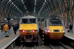 King's Cross (Neil Pulling) Tags: london station night train nightshot transport railway trains railwaystation nightview kingscross kingscrossstation terminus hst eastcoastmainline ic125 43257
