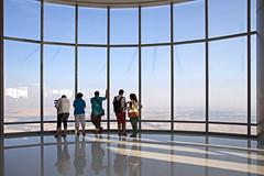 Burj Khalifa - Aussichtsplattform mit Außenterrasse (Christian Jena) Tags: mit top khalifa burj 452m aussichtsplattform ausenterrasse