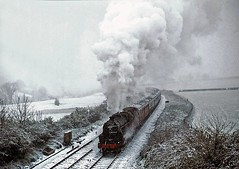 Welsh Marches Express, All Stretton, April 1981 (David Rostance) Tags: snow shropshire 5000 lms welshmarches class5 stanier 45000 allstretton northandwest