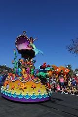 Festival of Fantasy Parade debut at Walt Disney World (insidethemagic) Tags: anna olaf frozen dale peterpan disney mickey parade chip brave minnie premiere waltdisneyworld float pinocchio elsa magickingdom debut captainhook tangled festivaloffantasy