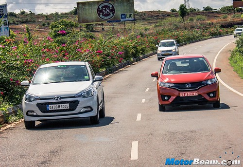 2015-Honda-Jazz-vs-Hyundai-Elite-i20-06