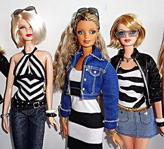 Having a Blonde Moment - 7 of 9 (Dia 777) Tags: dolls barbie blonde mackie diva blondeambition dotw allthatglitters dollsoftheworld collectionred modelno1 barbiebasics dia777 francebarbie