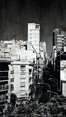 Le urbe feroz (ojoadicto) Tags: buenosaires blackandwhite blue digitalmanipulation manipulaciondefotos texture textura edificios calles buildings streets