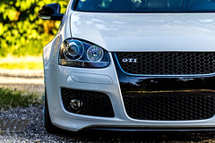 Golf 5 GTI (Synbios82) Tags: auto white car vw canon golf volkswagen 5 static gti mk grounded stance mk5 60d