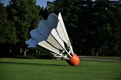 Shuttlecock (Adventurer Dustin Holmes) Tags: sculpture bird art birdie kansascity missouri badminton shuttlecock giantshuttlecock kansascityartmuseum giantbirdie giantbadminton nelsonatkinsonmuseumofart