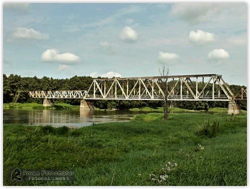 Most kolejowy w Stanach