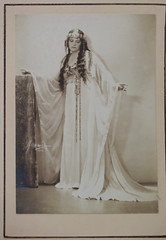 Németh Mária (elinor04 thanks for 30,000,000+ views!) Tags: vienna wien austria opera hungary antique budapest images collection singer oldphoto foundphotograph soprano antiquephotograph hungarian vintagephoto operasinger viennaoperahouse budapestoperahouse wienerstaatsoper sopran marianemeth némethmária elinorscollection hungariancollection elinorsvintagephotocollection