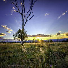 Sun going down (John A Hunt Photography) Tags: sunset australia canberra act d600 vision:sunset=072 vision:mountain=0539 vision:outdoor=0971 vision:sky=0974 vision:clouds=0902